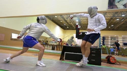 اعزام تیم شمشیربازی کیش به مسابقات قهرمانی کشور