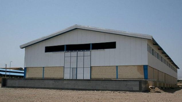 فروش «حدود۹۰۰مترسوله صنعتی +یک ساختمان دربست۲۵۰متری اداری»در کنار هم