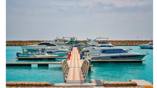 گشت VIP دریایی با قایق