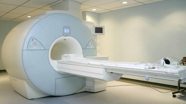 راه اندازي سيستم MRI در بيمارستان كيش