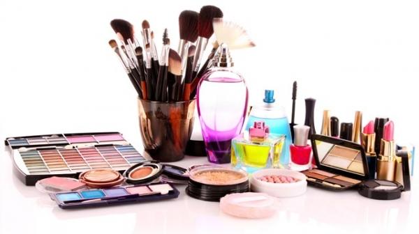 افتتاح دو واحد توليدي محصولات بهداشتی و آرایشی