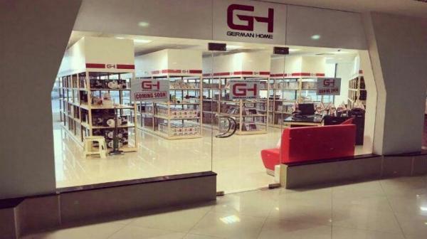 افتتاح فروشگاه یک فوتبالیست معروف در جزیره زیبای کیش