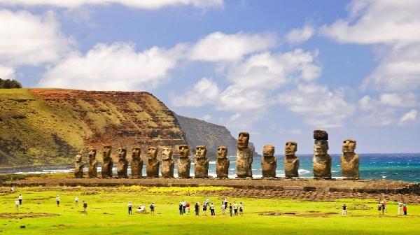 جزیره آتشفشانی ایستر ؛ مکانی باستانی و اسرار آمیز