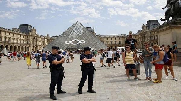 لزوم ثبات و امنیت برای پیشرفت صنعت گردشگری