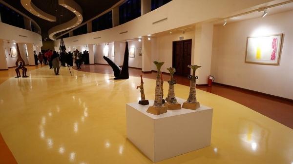 """برگزاری نمایشگاه """"کرنش به حافظ"""" در کیش"""