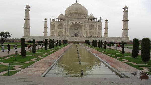 با وجود آمار بالای ابتلا به کرونا در هند، تاج محل باز میشود
