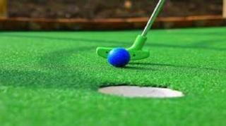 برگزاری مسابقات مینی گلف در جزیره کیش
